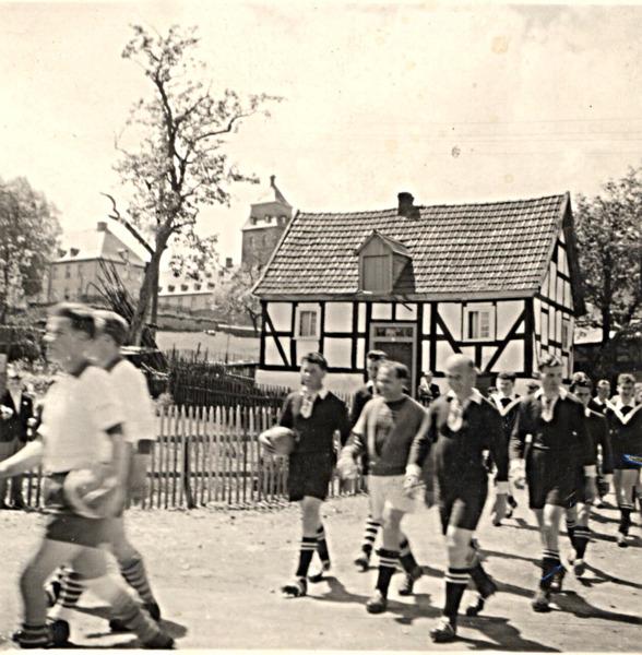 04dorfmitteca1930
